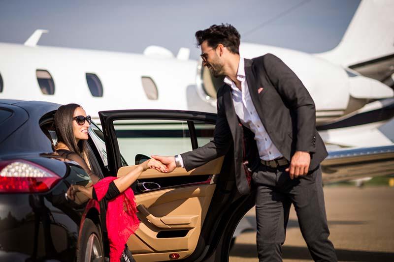 Luxuries-Chauffeur